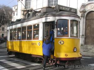 tram courtesy http://www.travel-earth.com/portugal/